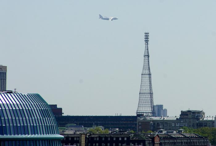 Вид на шуховскую башню в Москве.