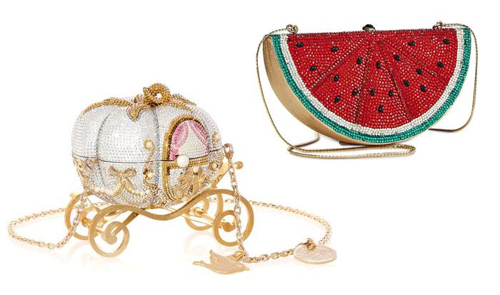 Сумочка из коллекции бренда, посвященной принцессам Диснея, и клатч в форме ломтика арбуза.
