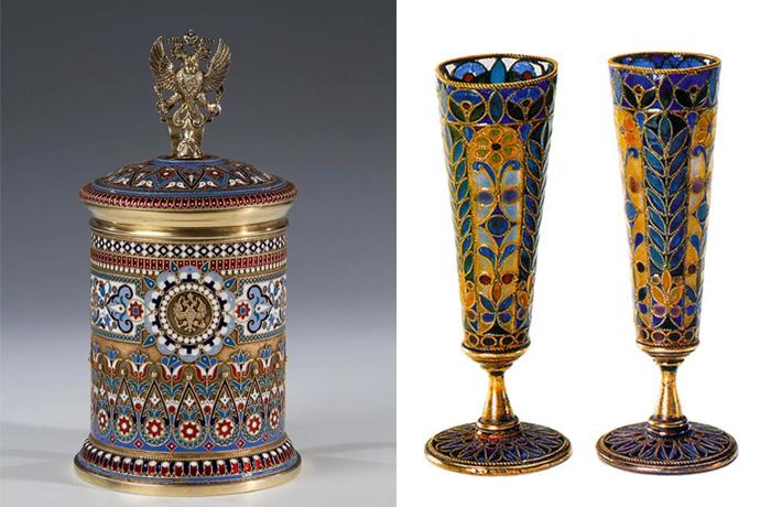 Слева - изделие с российским гербом и витражной эмалью.