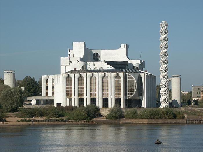 Новгородский театр драмы им. Достоевского, Россия.