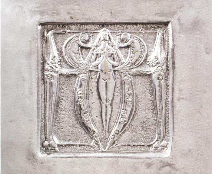 Маргарет Макдональд, панель из кованого металла для выставки Венского Сецессиона.