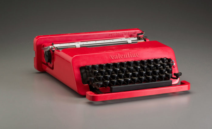 Печатная машинка Оливетти.