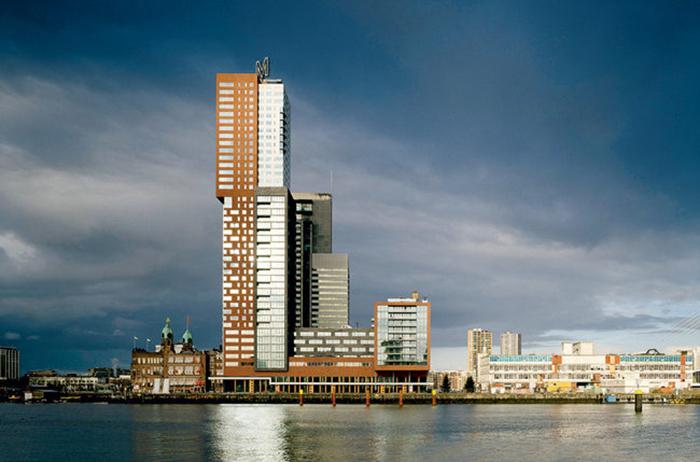 Башня в Роттердаме.
