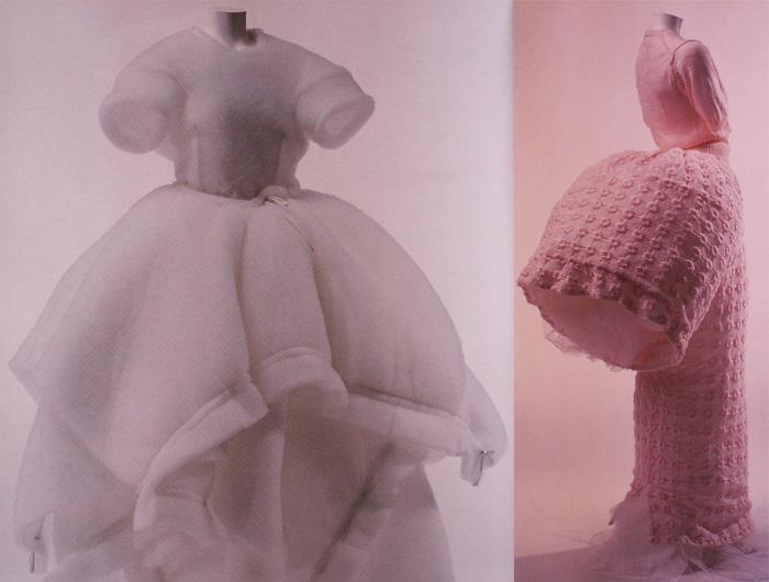 Модели Кавакубо похожи на скульптуры.