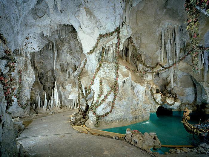 Грот Венеры, навеянный операми Вагнера, - рукотворная пещера.