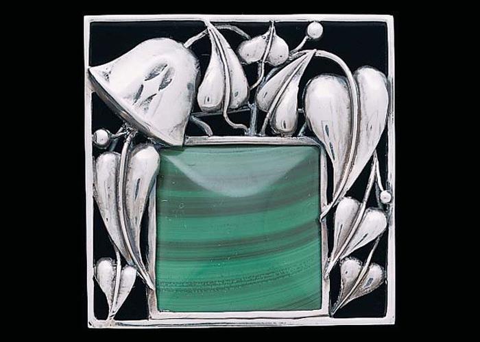 Ювелирные работы Хоффмана гораздо более нежные, чем мебель.