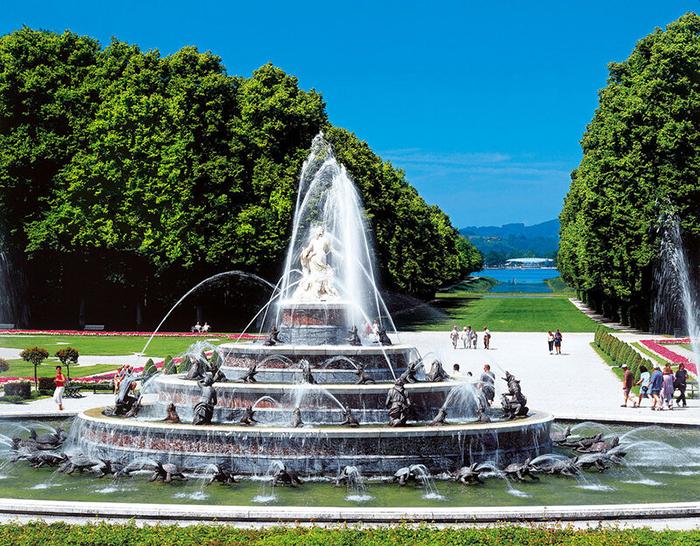 Один из фонтанов паркового комплекса.