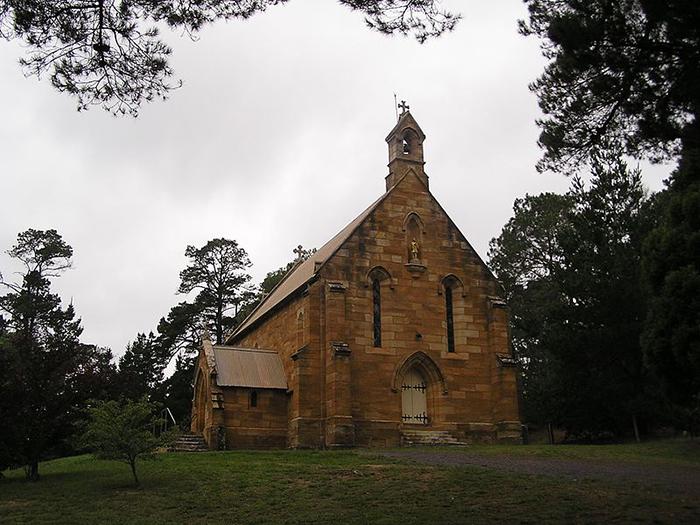 Церковь в неоготическом стиле.
