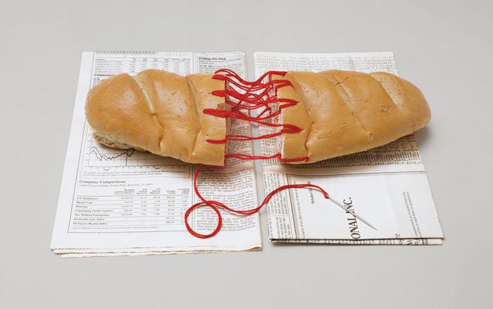 Скульптура из хлеба.