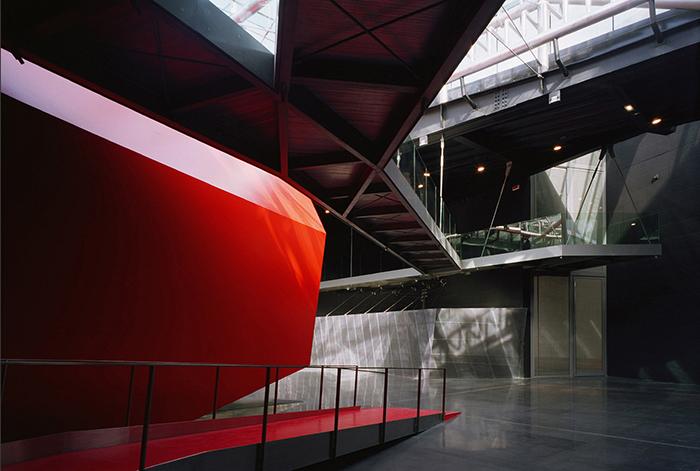 Внутреннее пространство Музея современного искусства MACRO в Риме.