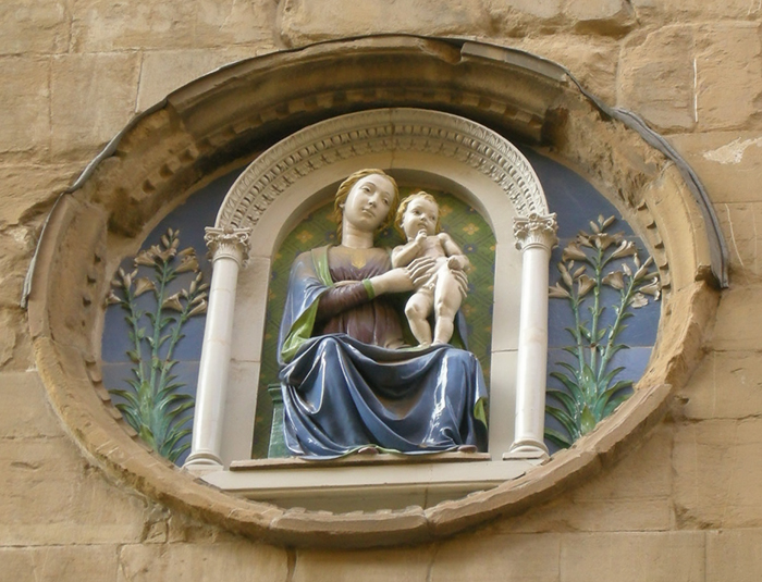 """Лука делла Роббиа, """"Мадонна в храме Орсанмикеле""""."""