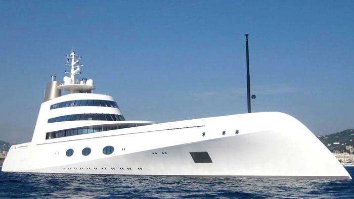 Яхта от Филиппа Старка.