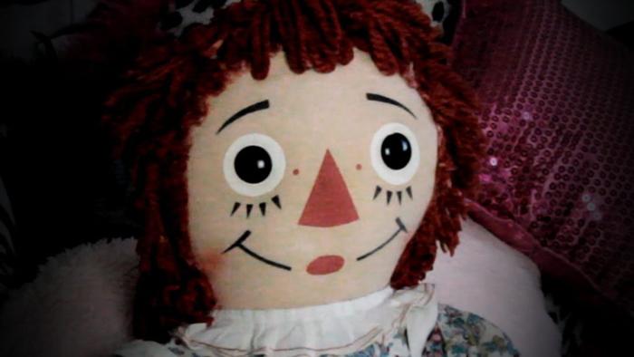 Аннабель - типичная тряпичная Энни, национальная игрушка США.