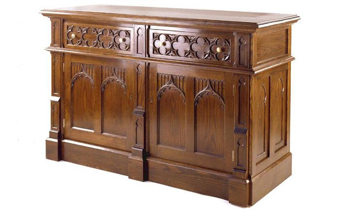 Мебель по проектам Огастеса Пьюджина.