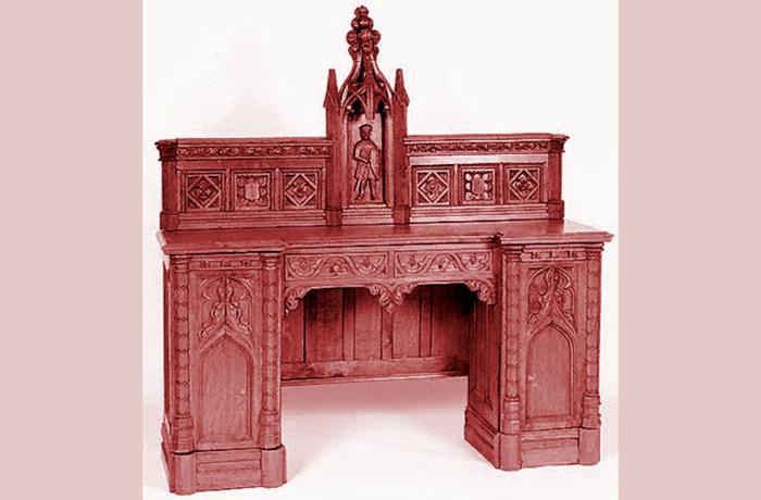 Мебель в неоготическом стиле.