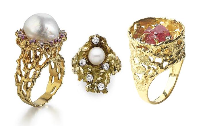 Кольца с жемчужинами, бриллиантами и кристаллами.