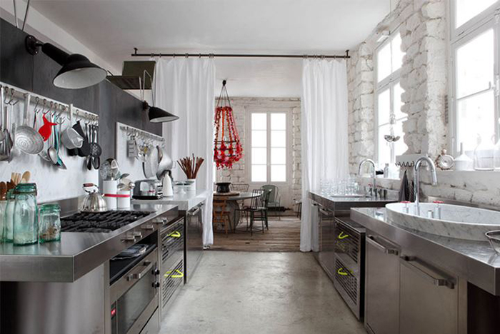 Женщине место на кухне? Да - если она эту кухню создает!