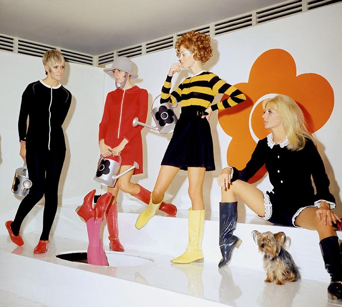 Модели в платьях и шортах от Мэри Куант.