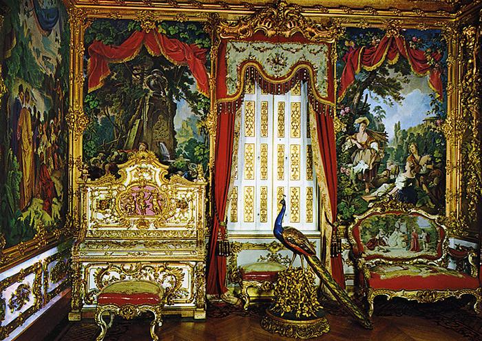 Интерьер Линдерхофа, Гобеленовый зал. Павлин - символ Людовика XIV.