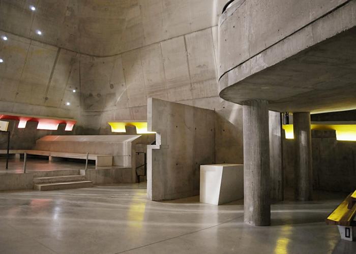 Внутреннее пространство церкви.