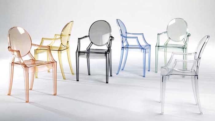 Легендарное пластиковое кресло Филиппа Старка.