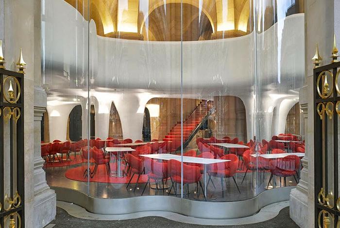 Ресторан Fantom в здании Парижской оперы.