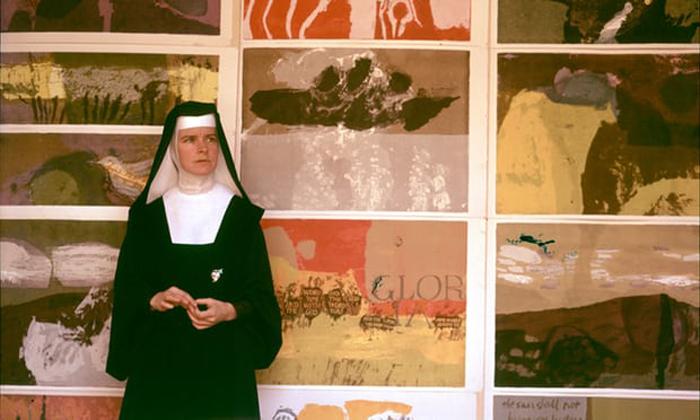 Как монахиня стала звездой поп-арта и протестного искусства: Сестра Мэри Корита Кент