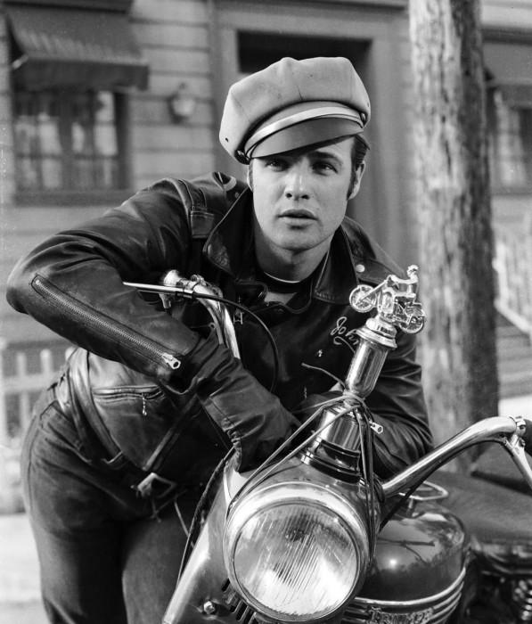 """Кадр из фильма """"Дикарь"""", 1953"""