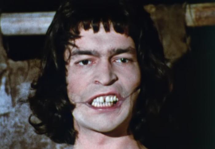 Гуимплен. Кадр из мини-сериала  «Человек, который смеётся» (Франция, 1971)
