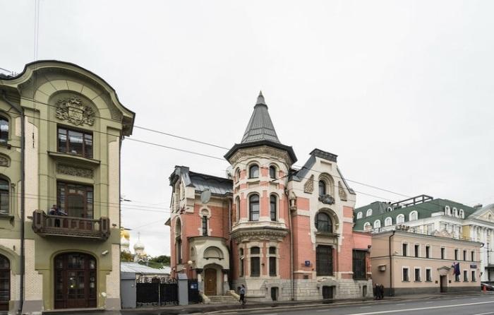 Особняк-замок на Остоженке. /Фото:vladimirdar.livejournal.com