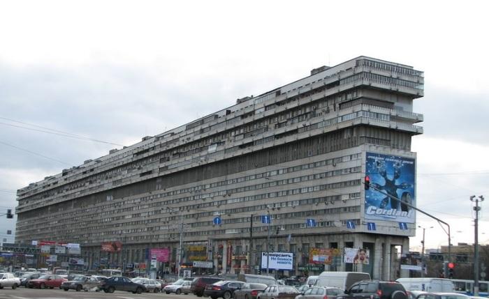 Дом-корабль окутан легендами. /Фото:Onfoot.ru