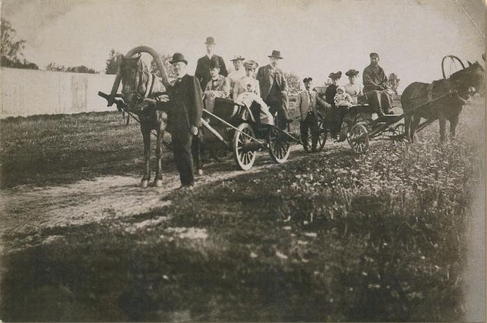 Семейство едет на дачу. /Фото:moslenta.ru