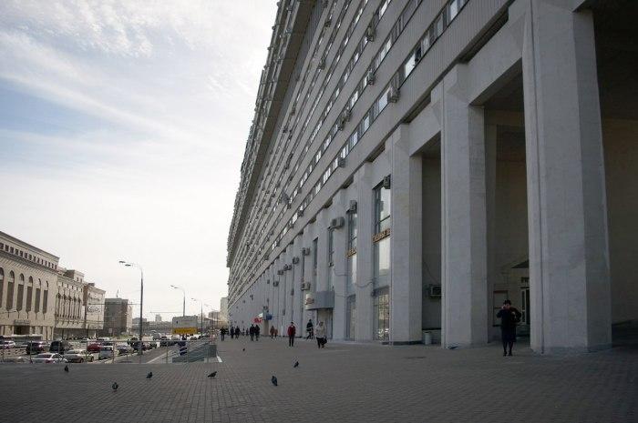 При виде дома вполне веришь, что он может выдержать атомный взрыв. /Фото: stroi.mos.ru