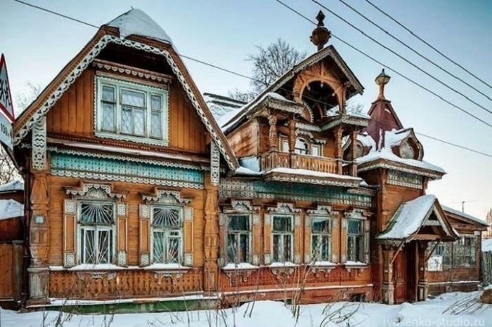 Дом постепенно приходил в упадок, но все равно оставался нарядным. /Фото: mk.ru