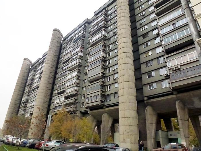 Жильцы оригинальной многоэтажки говорят, что в целом жить здесь удобно. /Фото:2do2go.ru