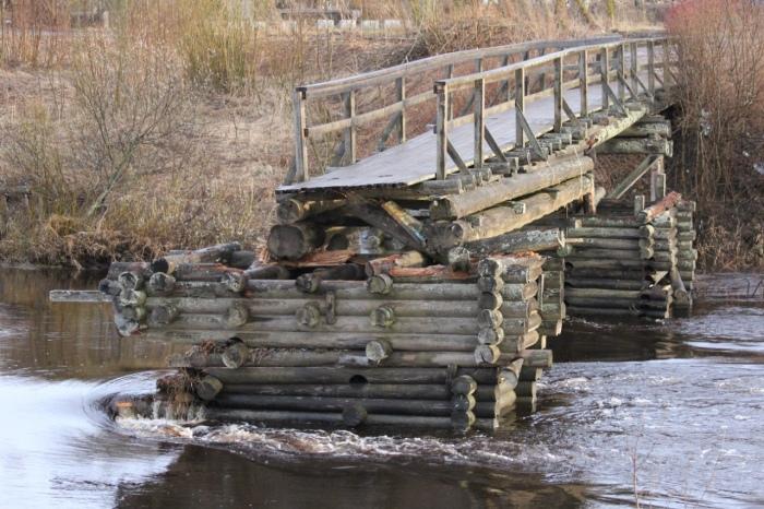 Олонец славится своими мостами. /Фото: Борис Ильин