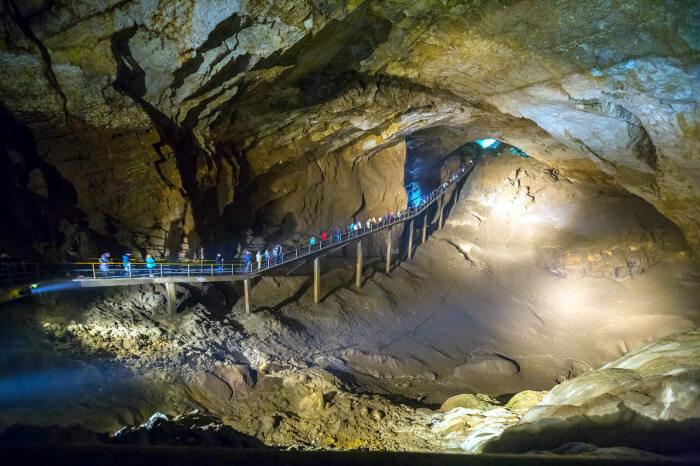 Гигантская пещера в Новом Афоне. /Фото:питиус.рф