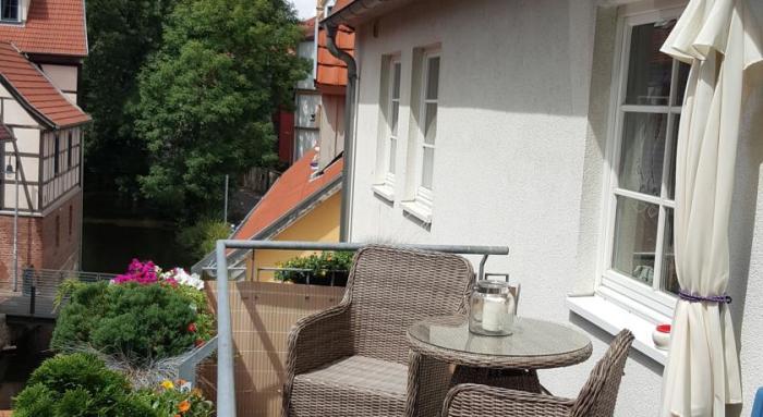 Вид с балкона в одном из таких домиков. /Фото:bedandbreakfast.eu