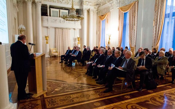 Один из залов купца Саввы Морозова в XXI веке выглядит так. /Фото:russiancouncil.ru