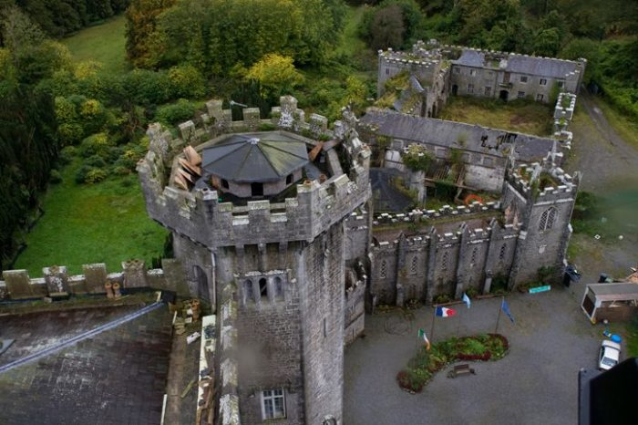 У замков множество легенд и мифов. /Фото:tropinki.eu