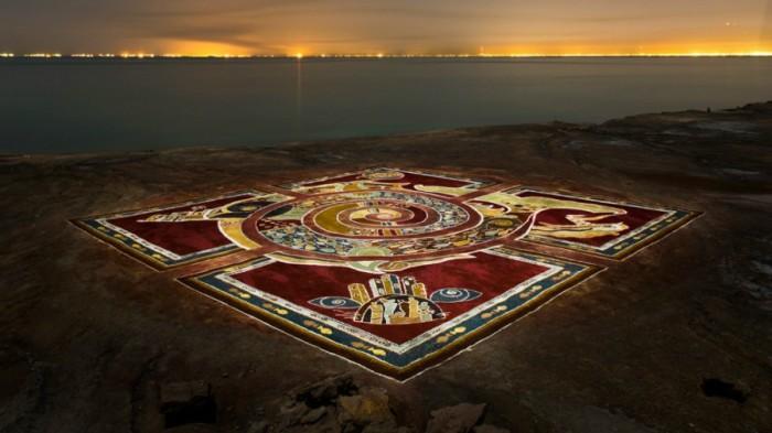 На острове делают песчаные картины. /Фото:sanaei.livejournal.com