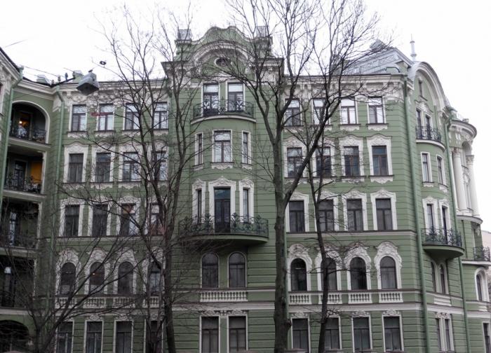 Дом строили с большим размахом. /Фото:stranniksenya.livejournal.com