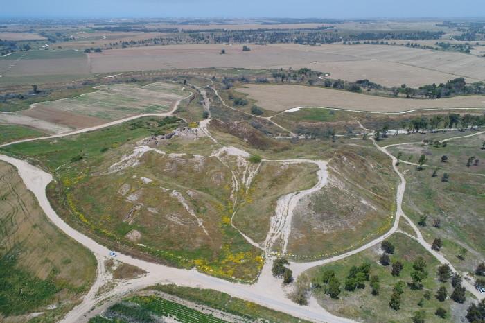 Вид с высоты птичьего полета на Тель-Гаму, Ханаанский город Ярза (в этой местности обнаружен артефакт. /Фото:Вальдик Липшиц/IAA).