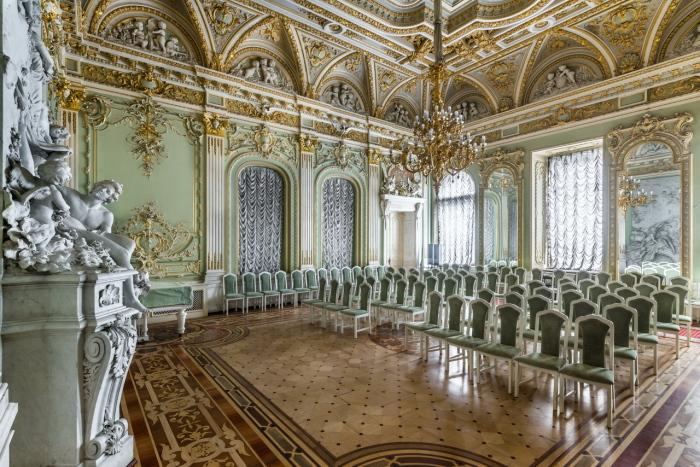 Белый зал. /Фото: liveinternet.ru
