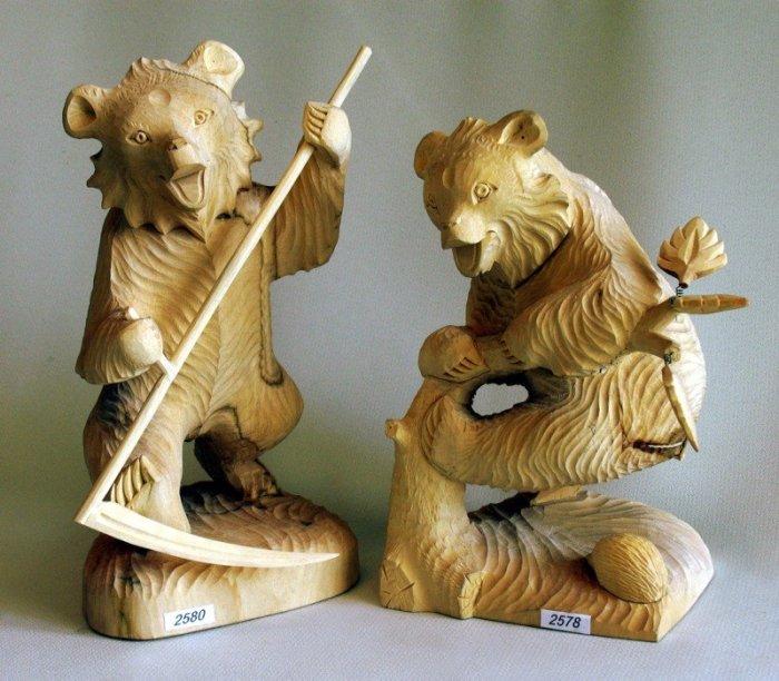 Медведи очень часто использовались в качестве героев богородскими мастерами. /Фото:perunica.ru