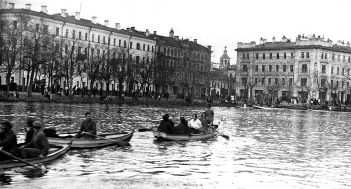 Чистые пруды в 1920-е годы. /Фото С. С. Ильина
