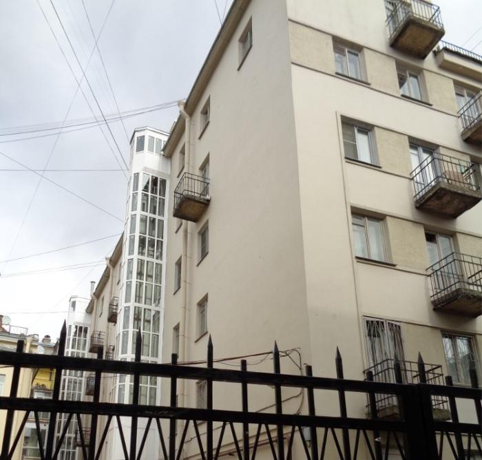 Лифты пристроили снаружи уже после войны. /Фото:palmernw.ru, М.Гуминенко