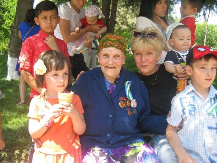 Для младшей дочки Шамахмудовых Ташкент стал родиной. /Фото из комментариев на mytashkent.uz