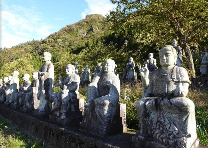 Поклонникам буддийской культуры здесь есть на что посмотреть. /Фото:Keaton Masuda