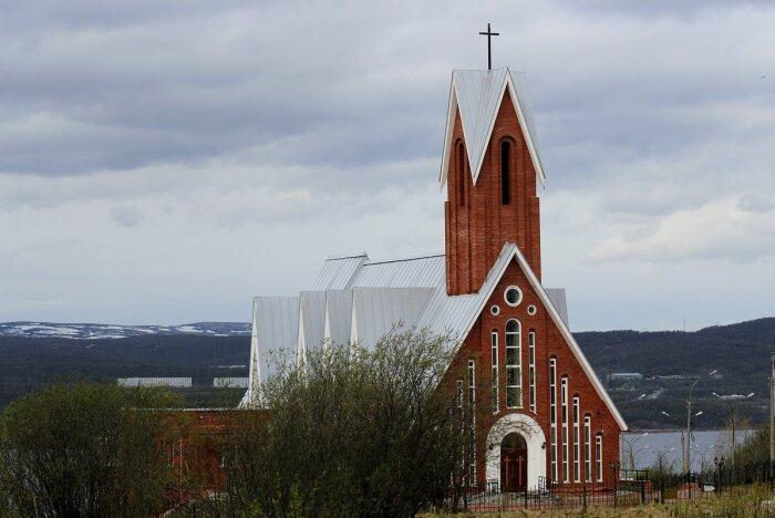 Сюда приезжают католики из других городов. /Фото: Светлана Кажинская, fotokto.ru